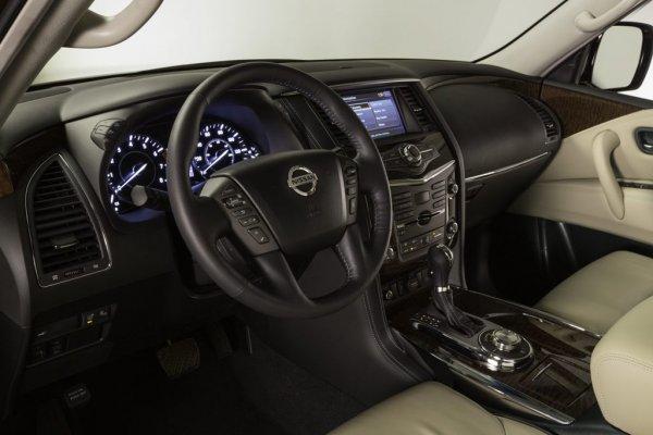 Передний ряд сидений Nissan Armada 2017