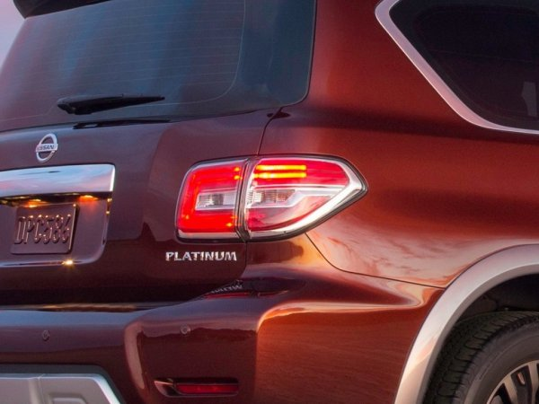 Задняя оптика Nissan Armada 2017