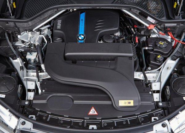 Двигатель гибридного BMW X5 xDrive40e 2016