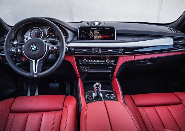 Интерьер BMW X5 M 2016