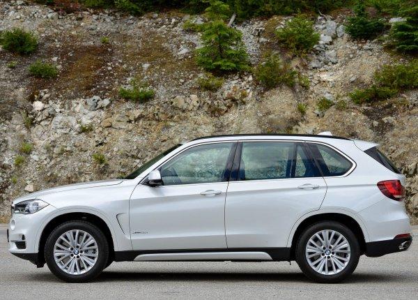 BMW X5 2014, вид сбоку