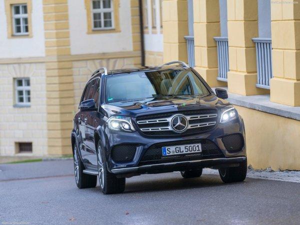 Mercedes-Benz GLS 2017, вид спереди