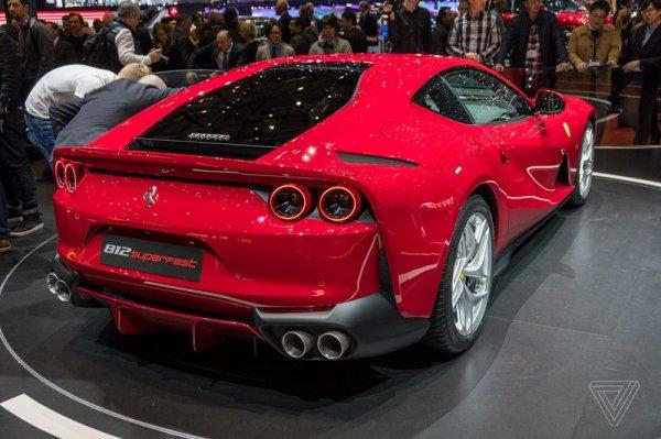 Ferrari 812 Superfast стильный и заряженный