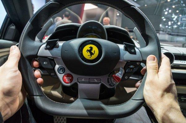 Руль управления Ferrari
