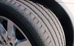 Почему полустертые шины опаснее лысых и как определить износ шин