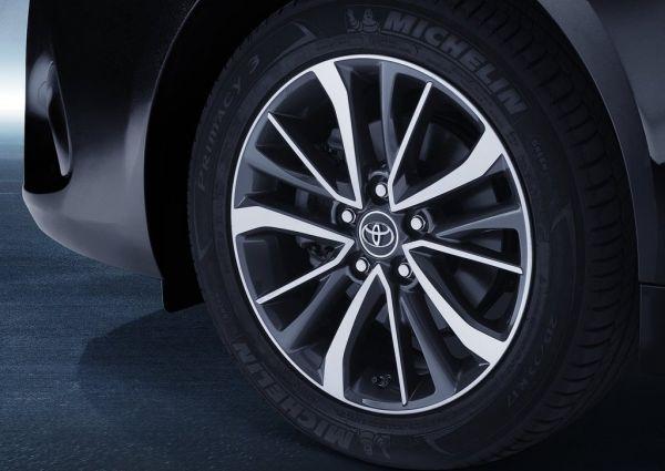 Легкосплавные диски Toyota Avensis 2016