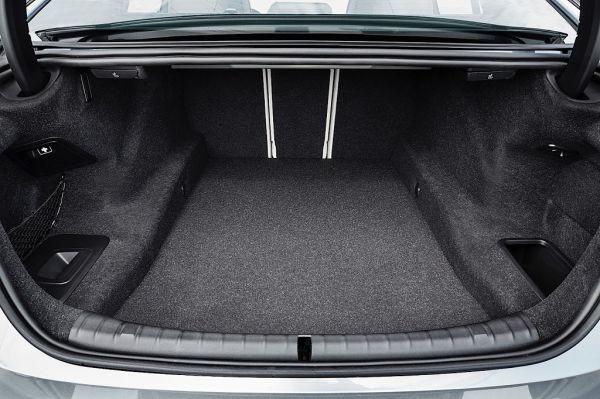 5 Series G30, багажник