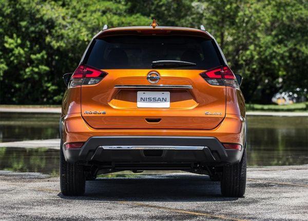 Nissan X-Trail 2017, вид сзади