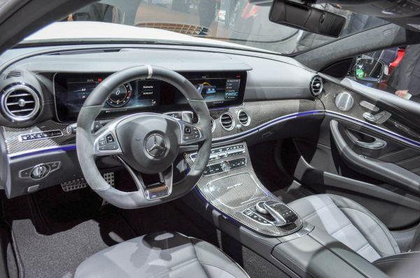 Интерьер заряженного Mercedes E 63 AMG S Estate