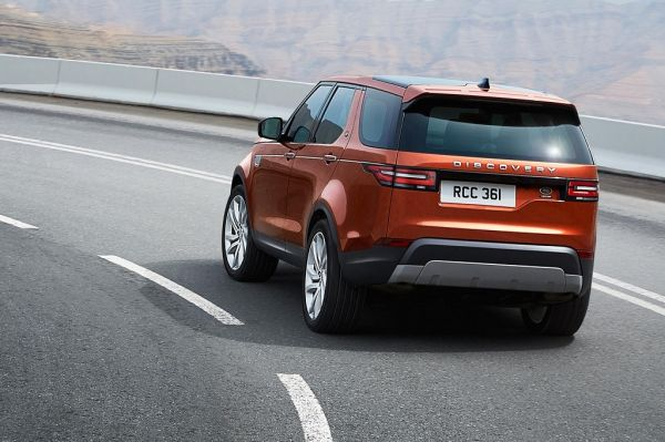 Land Rover Discovery 5 2017, вид сзади