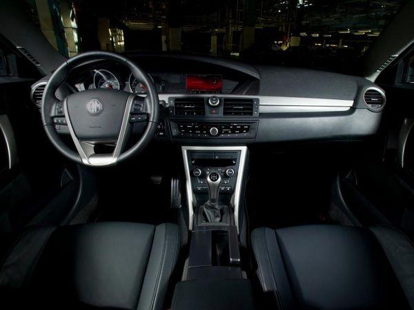 MG 6, руль и панель управления