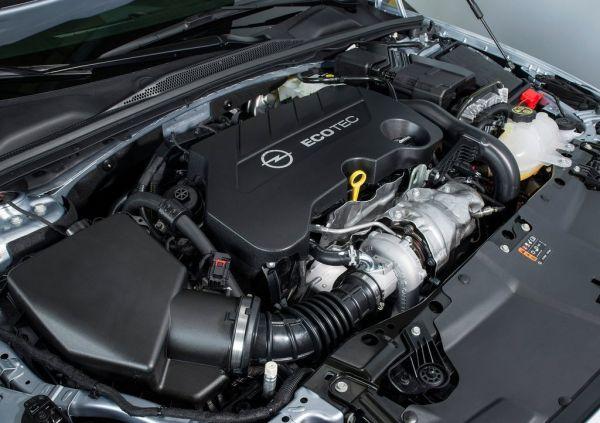 Турбированный двигатель Opel Insignia 2017