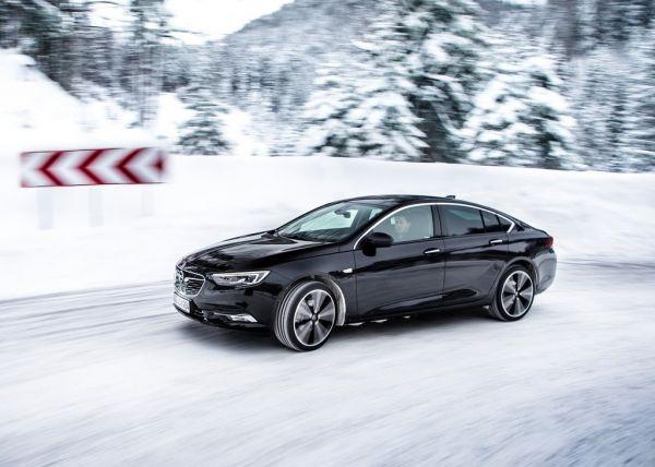 Хэтчбек Opel Insignia Grand Sport 2017