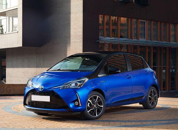 Гибридный хэтчбек Toyota Yaris 2017