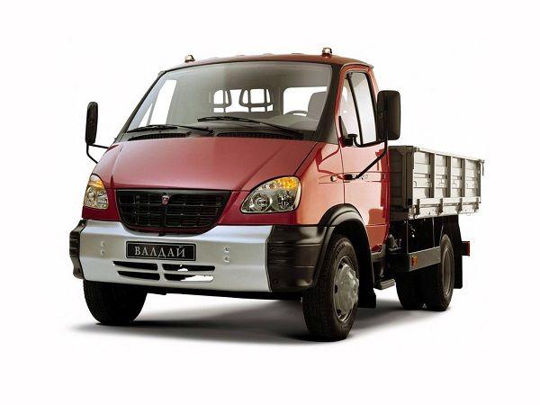 ГАЗ Валдай грузовой, вид спереди и сбоку слева