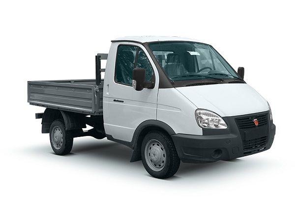 ГАЗ Соболь Бизнес грузовой, вид спереди и сбоку справа