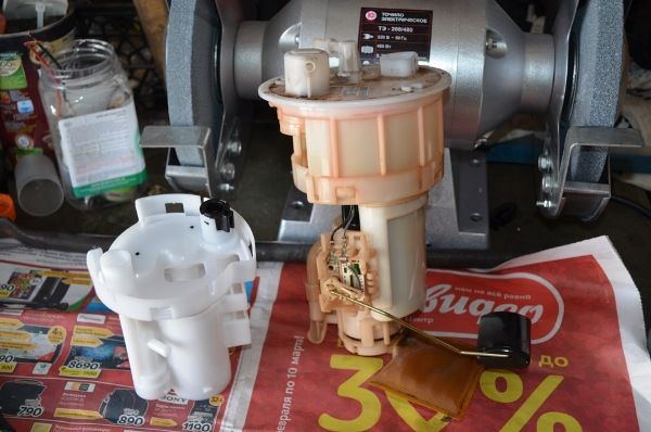 Замена топливного фильтра Киа Рио - меняем фильтр на новый
