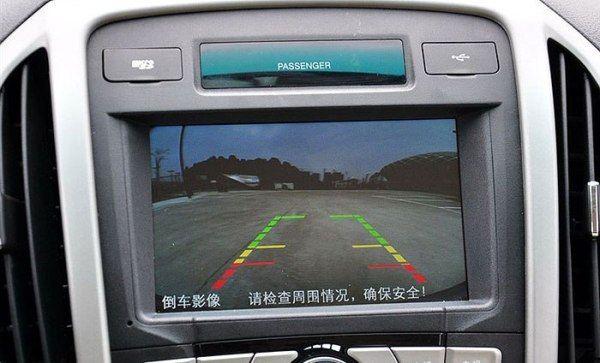 Камера заднего вида с линиями разметки BYD F3