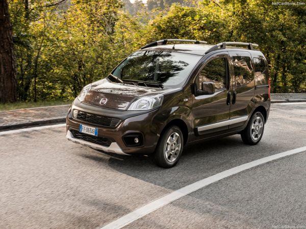 Fiat Qubo 2017, вид спереди и сбоку слева