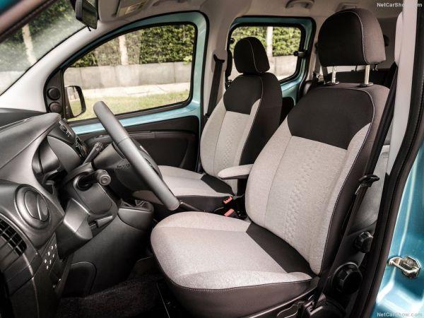 Fiat Qubo 2017, передние сидения