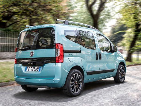 Fiat Qubo 2017, вид сзади и сбоку справа