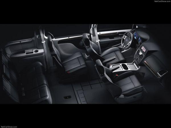 Lancia Voyager 2012, интерьер