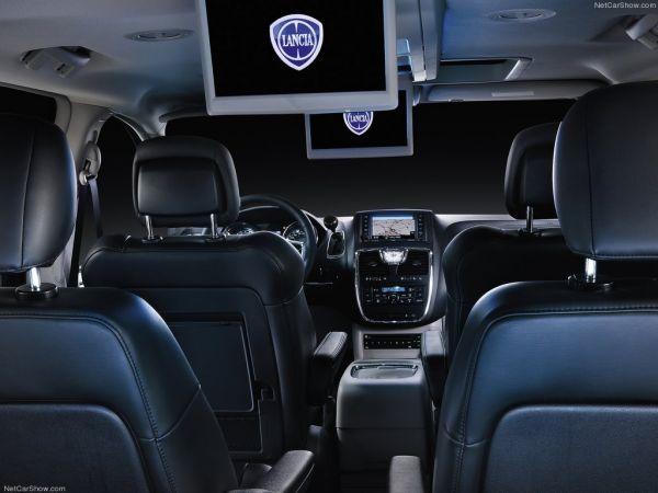Lancia Voyager 2012, кресла