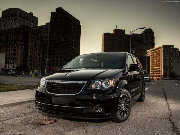Chrysler Town and Country S - обзор