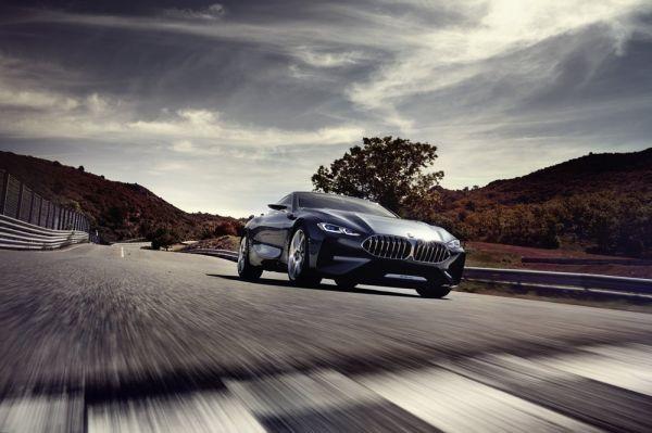 Светодиодная оптика нового BMW 8-Series