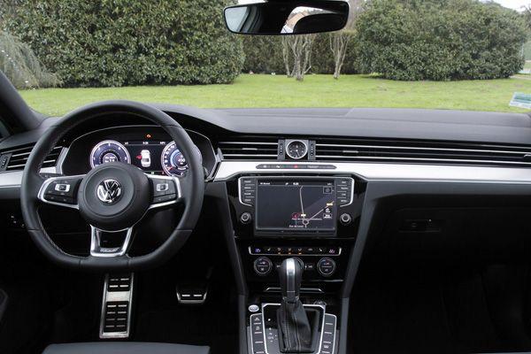 Интерьер Volkswagen Passat Life Plus