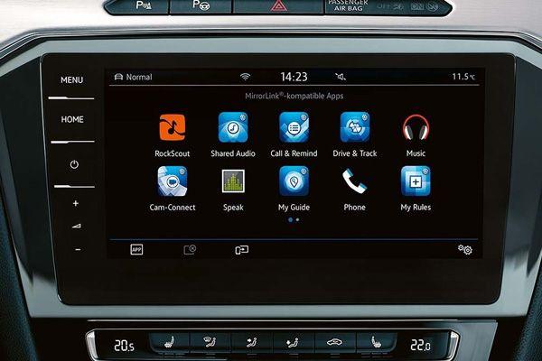 Дисплей мультимедийной системы Volkswagen Passat