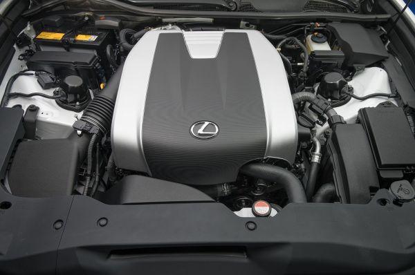 Лексус GS 2017, двигатель