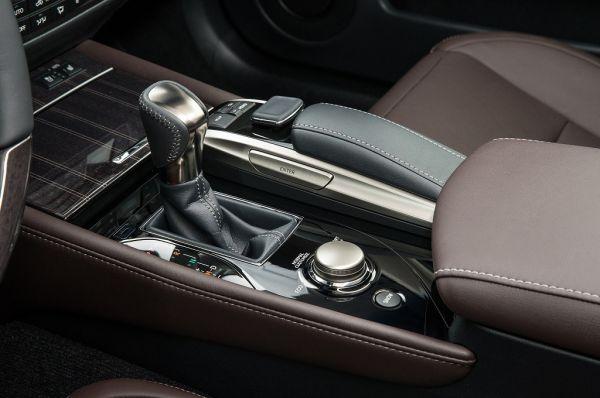 Lexus GS 2017, рычаг КПП