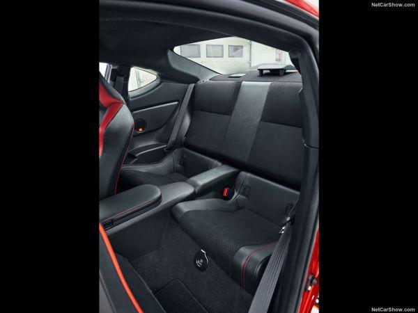 Toyota GT86 2017, задние кресла