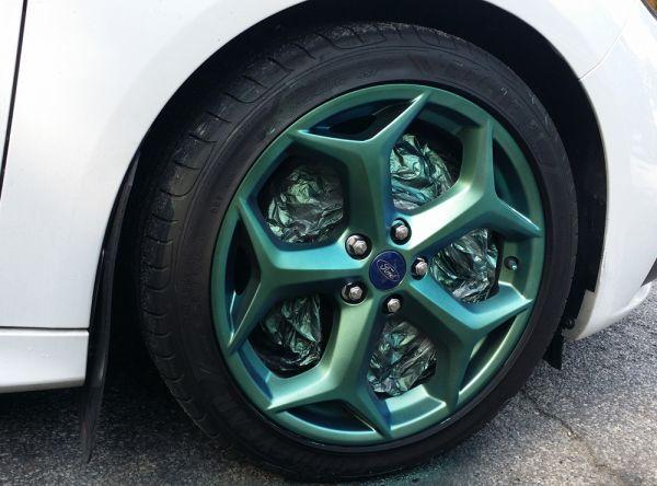 Жидкая резина на дисках автомобиля