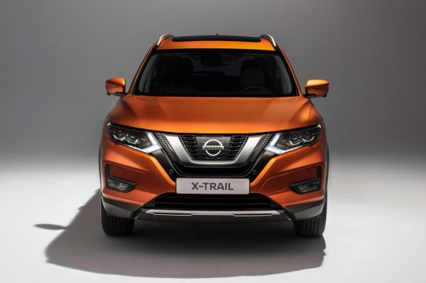 Nissan X-Trail 2017, вид спереди
