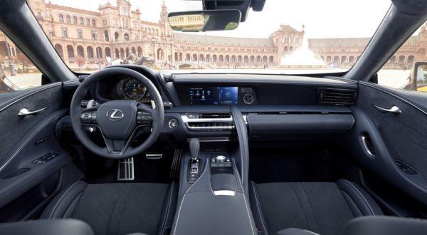 Интерьер нового Lexus LC 500