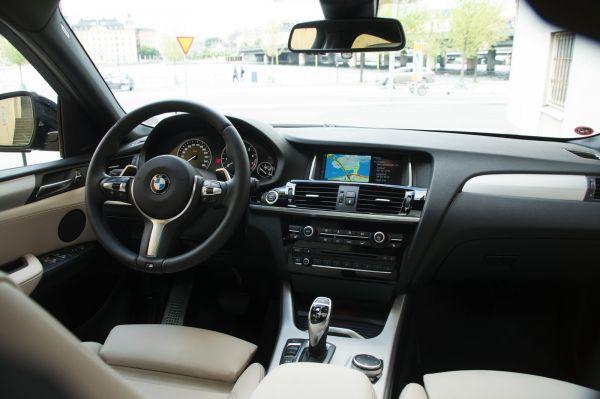 Интерьер нового BMW X4 M40i 2017