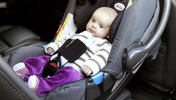 Как перевозить грудного ребенка в машине в 2019 году