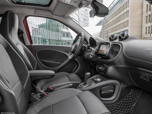 Brabus Smart ForFour 2017, передние сидения