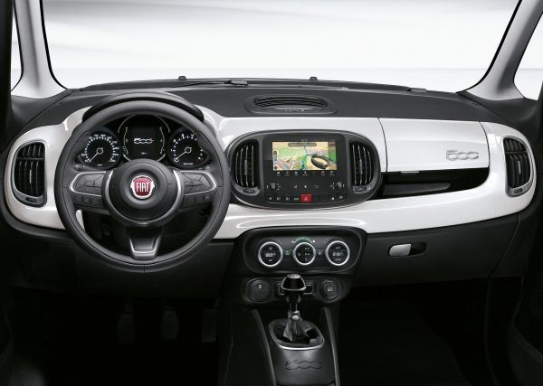 Интерьер Fiat 500L 2018