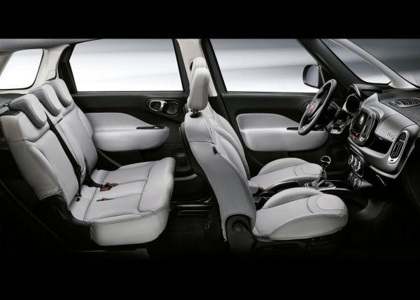 Передние и задние сиденья Fiat 500L 2018