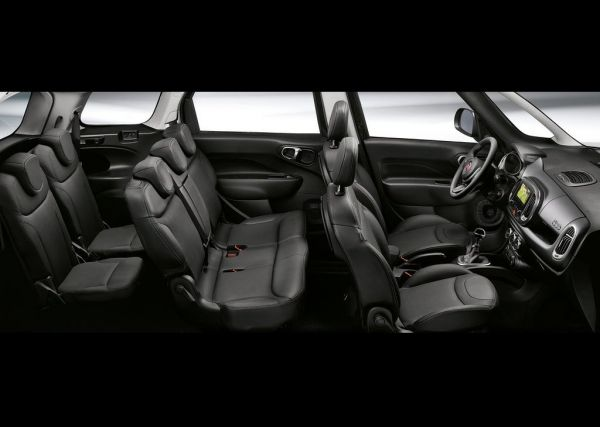 Интерьер Fiat 500L Wagon 2018