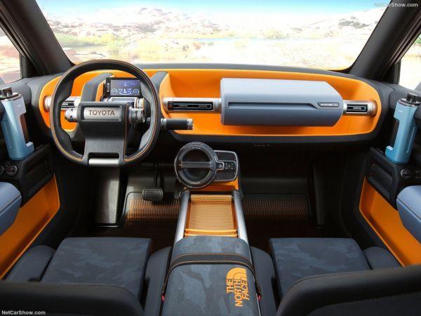 Toyota FT-4x 2017, руль и панель управления