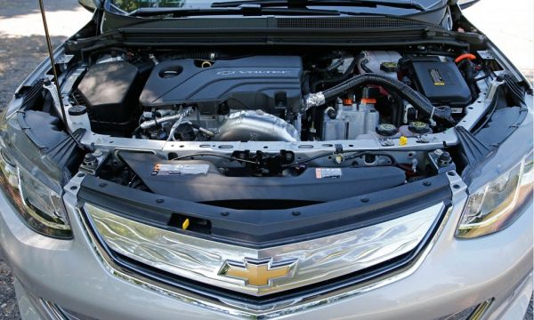 Chevrolet Volt 2017, двигатель