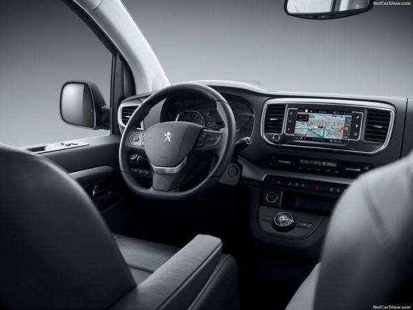 Peugeot Traveller 2017, руль и панель управления