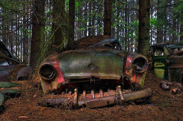 Самые грандиозные кладбища автомобилей: топ-10