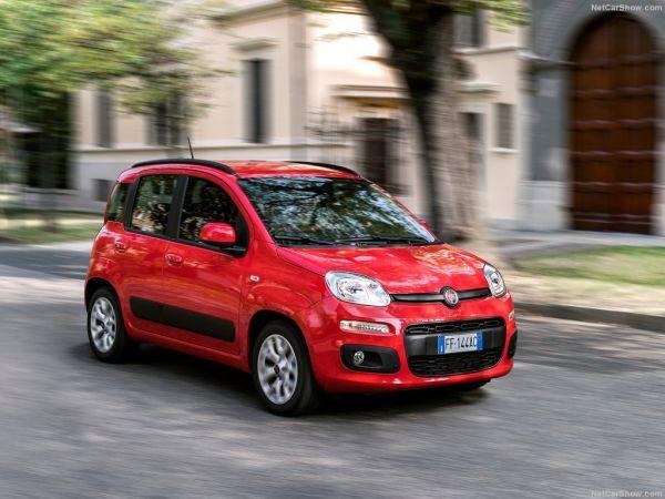 Fiat Panda 2017, вид спереди и сбоку справа