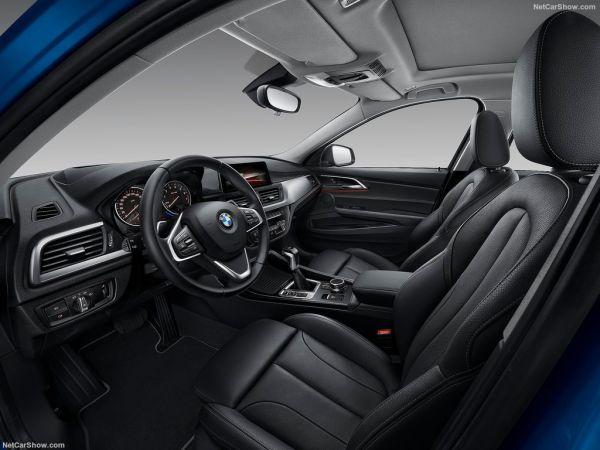 BMW 1-Series Sedan 2017, руль, панель управления и передние сидения