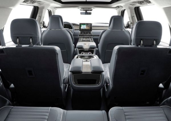 Интерьер нового Lincoln Navigator 2018